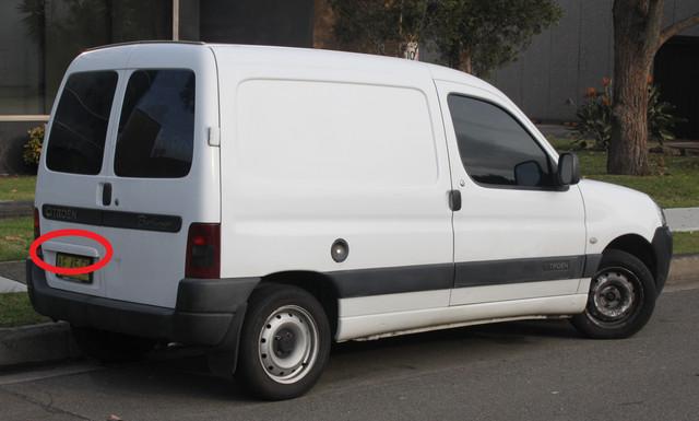 2005-Citro-n-Berlingo-M59-Series-II-van-22257630722-cropped