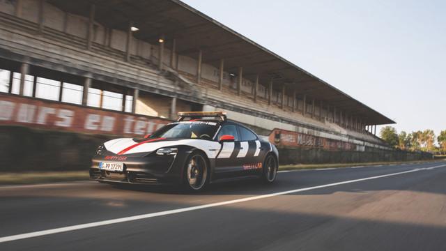2019 - [Porsche] Taycan [J1] - Page 18 9-AB26030-229-B-45-FB-86-B3-ED581139-A8-D1