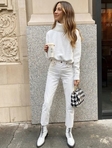 белые ботинки с белыми брюками