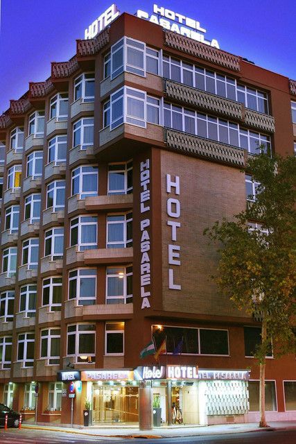 fachada-hotel-pasarela-travelmarathon-es