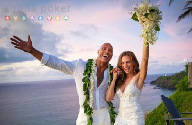 Menikah Dwayne Johnson Pilih Wedding Beach Santai di Hawaii