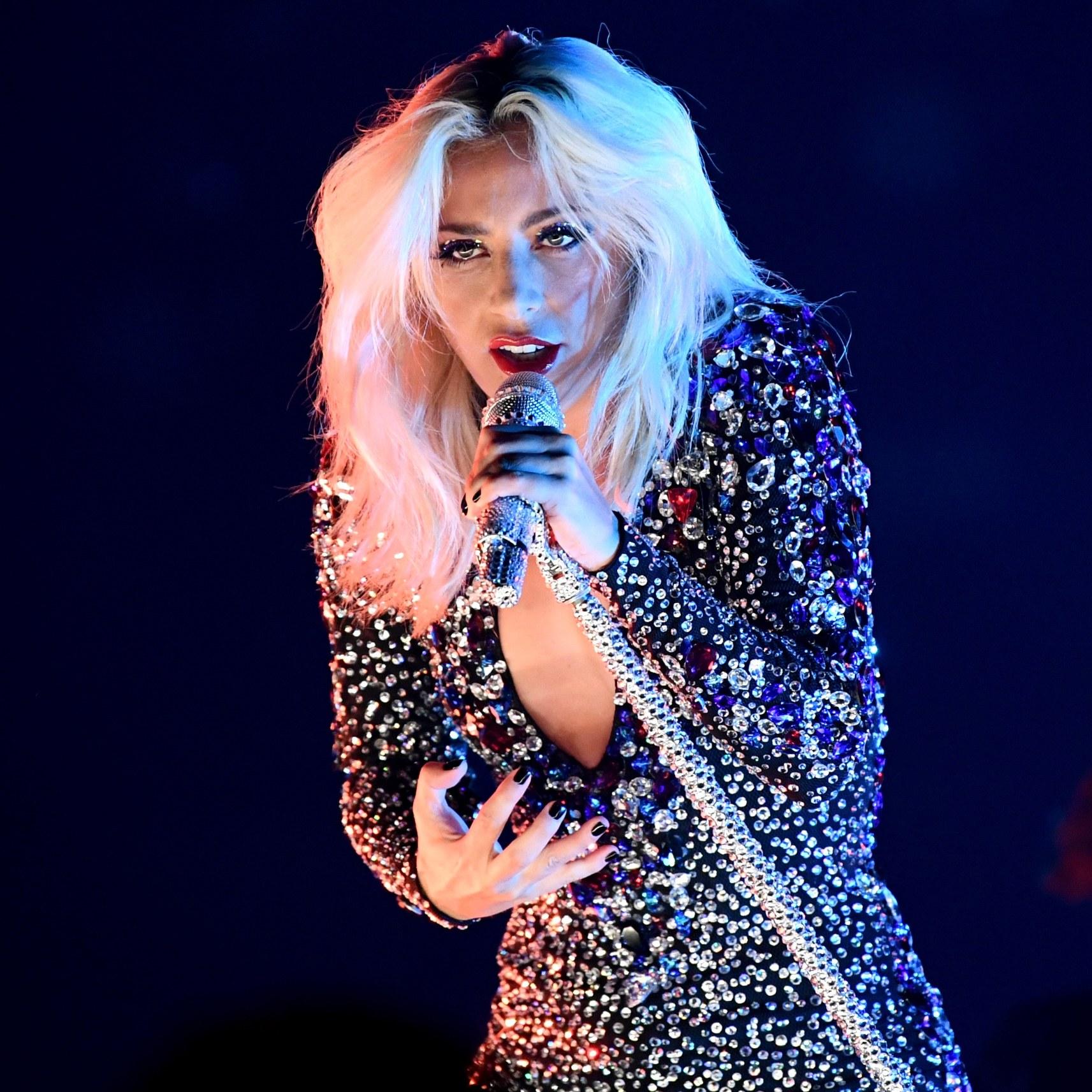 Grammys-performance.jpg