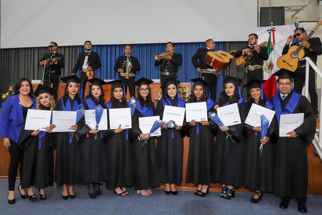 Graduacio-n-Gestio-n-Empresarial-68