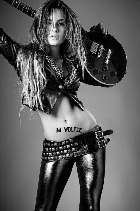 ROCK-GIRL-WOLFIE.jpg
