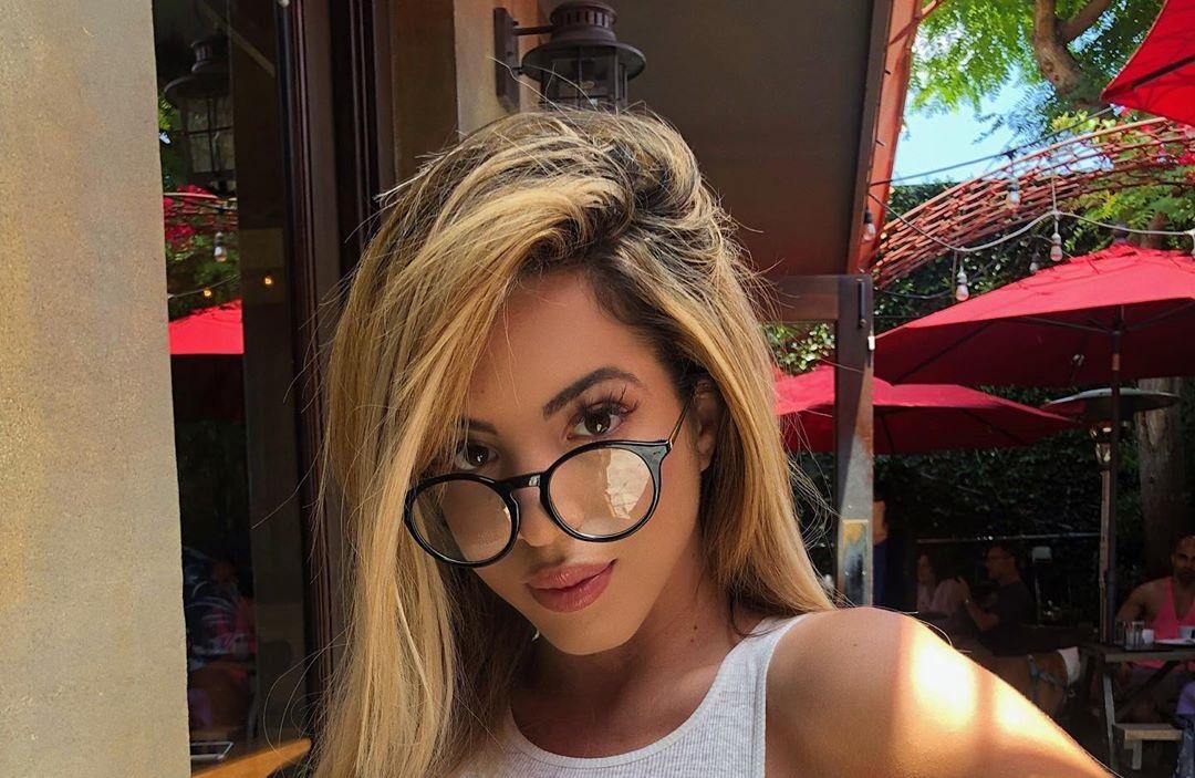 Danielley-Ayala-Wallpapers-Insta-Fit-Bio-7