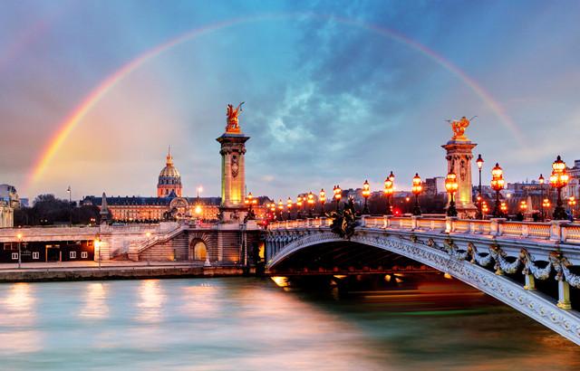 Europe-Short-Escape-Plus-Roemond-Outlet-by-GA-Pont-Alexandre-III
