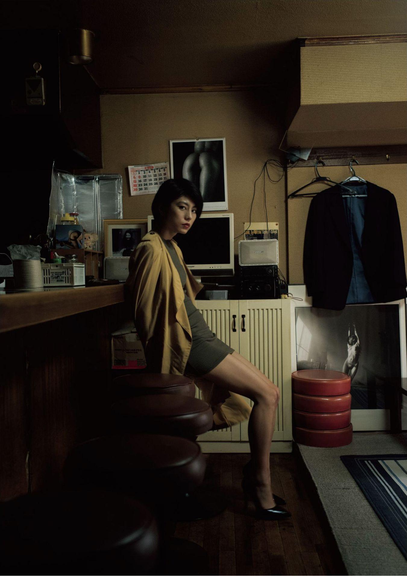 芳野友美ファースト写真集『或る女』051