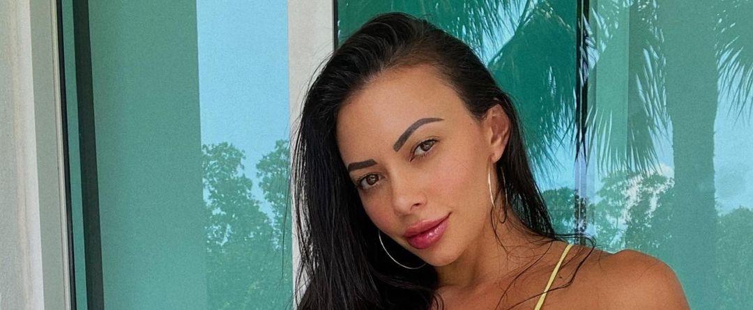 Maria-Villalba-Wallpapers-Insta-Fit-Bio-5