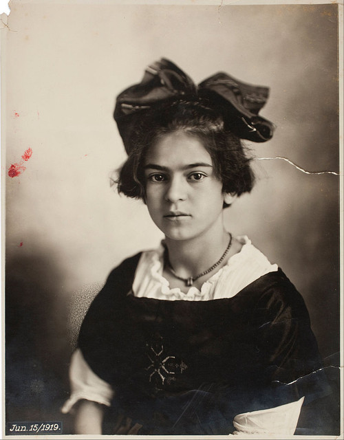Frida-Kahlo-young.jpg