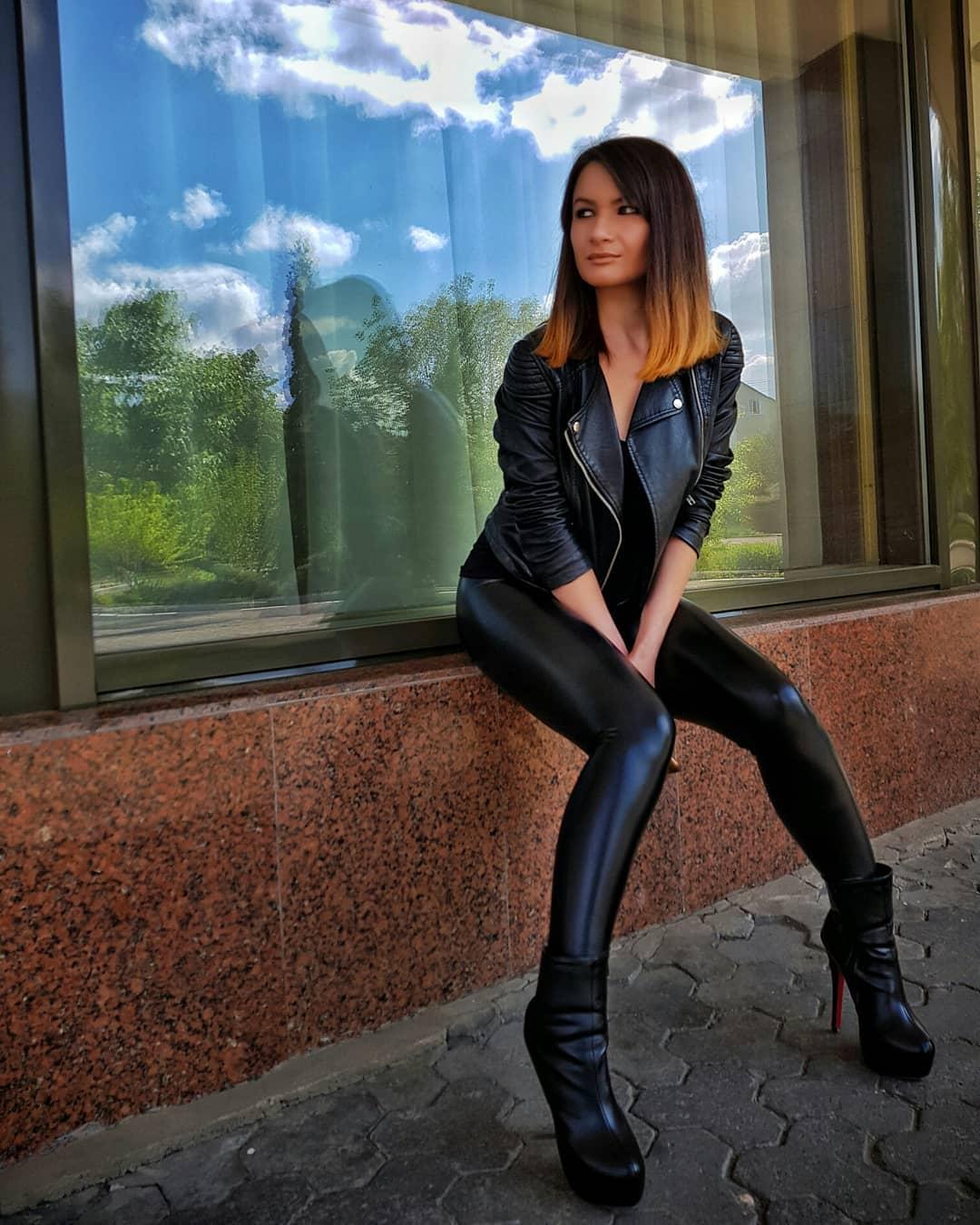 Olga-Madych-Wallpapers-Insta-Fit-Bio-14