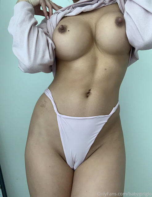 Baby-Girl-Glo-Only-Fans-2020-07-02-491575862-cozy