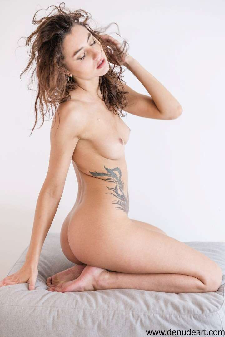Fit-Naked-Girls-com-Martina-Tosi-nude-2