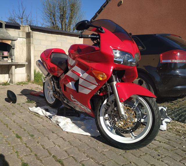 """Un jeune sur des motos de """"vieux"""" Sans-titre2"""