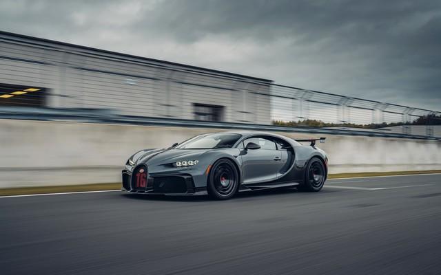 Premiers trajets en Bugatti Chiron Pur Sport 21-12-pur-sport-first-drives-jet-grey