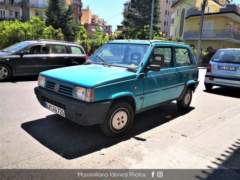 avvistamenti auto storiche - Pagina 32 Fiat-Panda-Cos-LMAA725-1