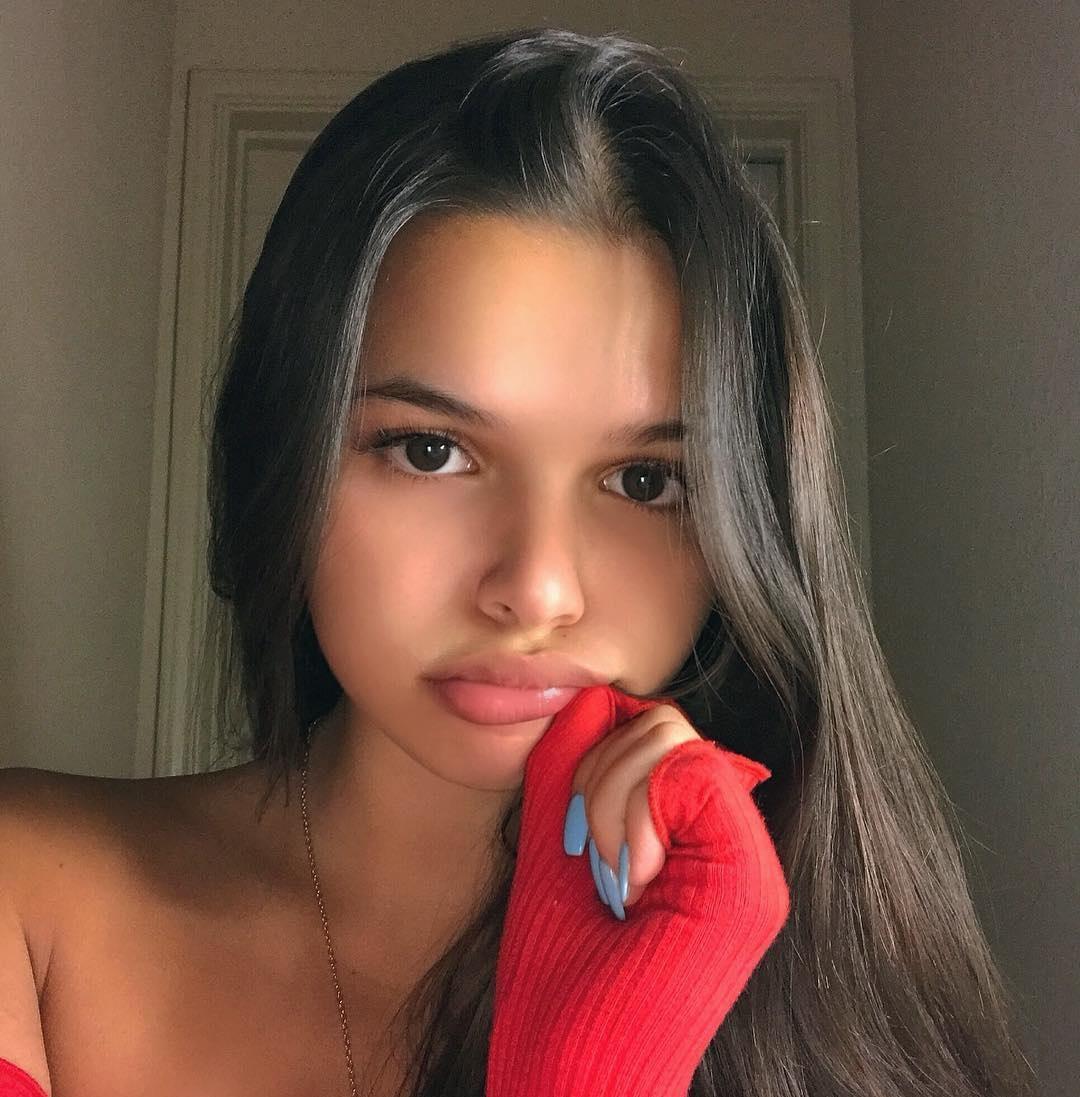 Vicky-Palacio-Wallpapers-Insta-Fit-Bio-10