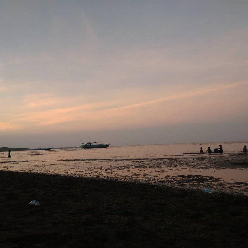 Panorama Keindahan Pantai Mallenreng Sinjai