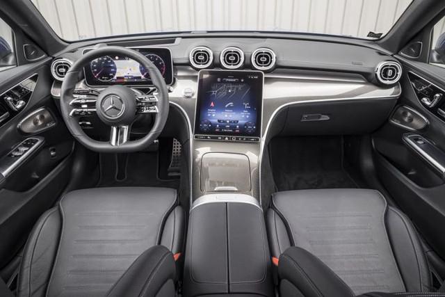 2021 - [Mercedes-Benz] Classe C [W206] - Page 17 6-EBFCC6-D-6-D2-D-4-F1-E-856-C-86-EE9-EE36751