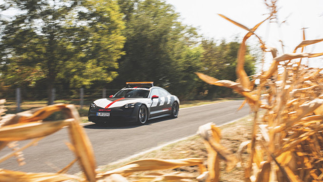 2019 - [Porsche] Taycan [J1] - Page 18 B4-E952-AB-8-BDB-4465-830-B-7-F47-CBBE8-A84