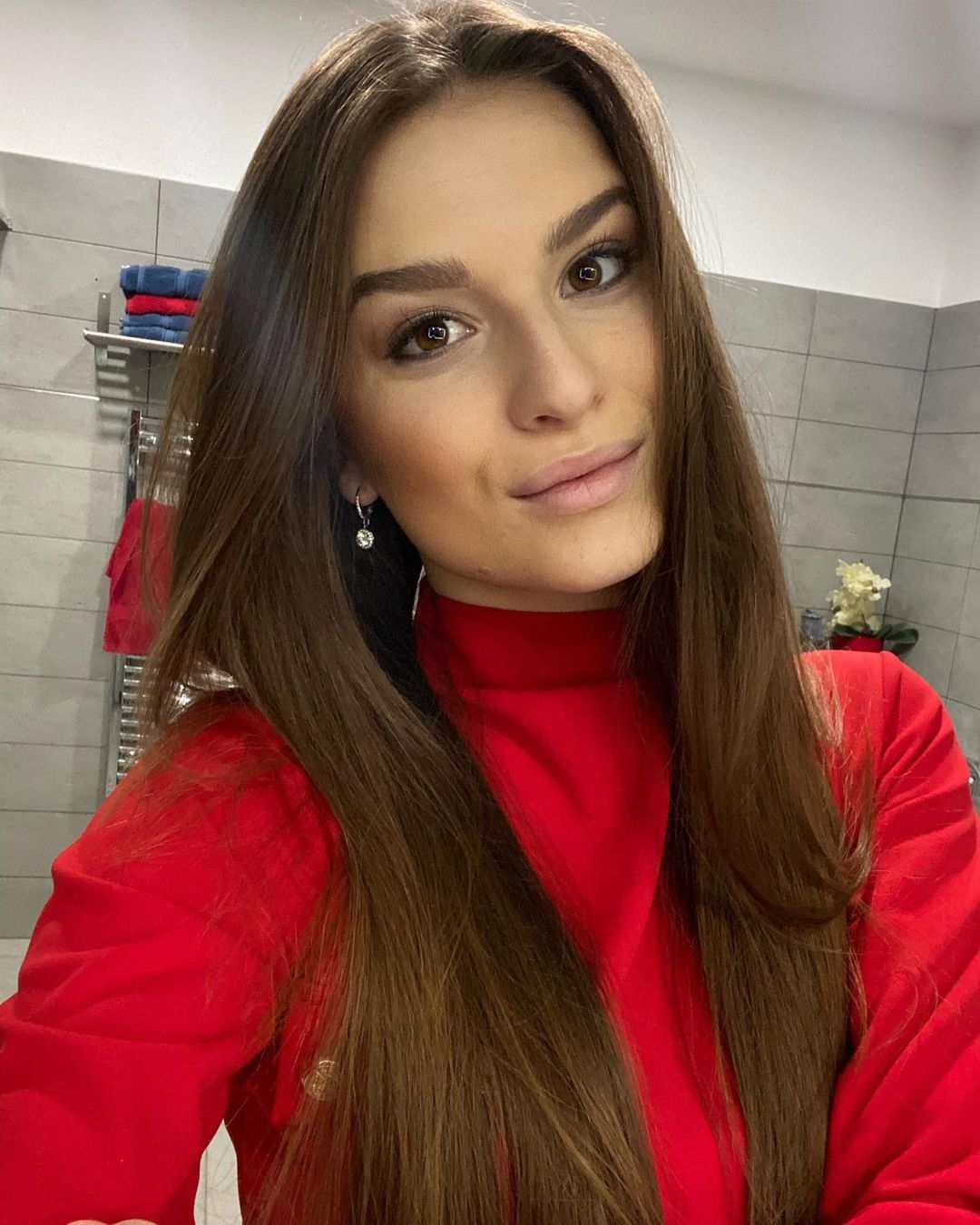 Dominika-Vinsova-Wallpapers-Insta-Fit-Bio-2