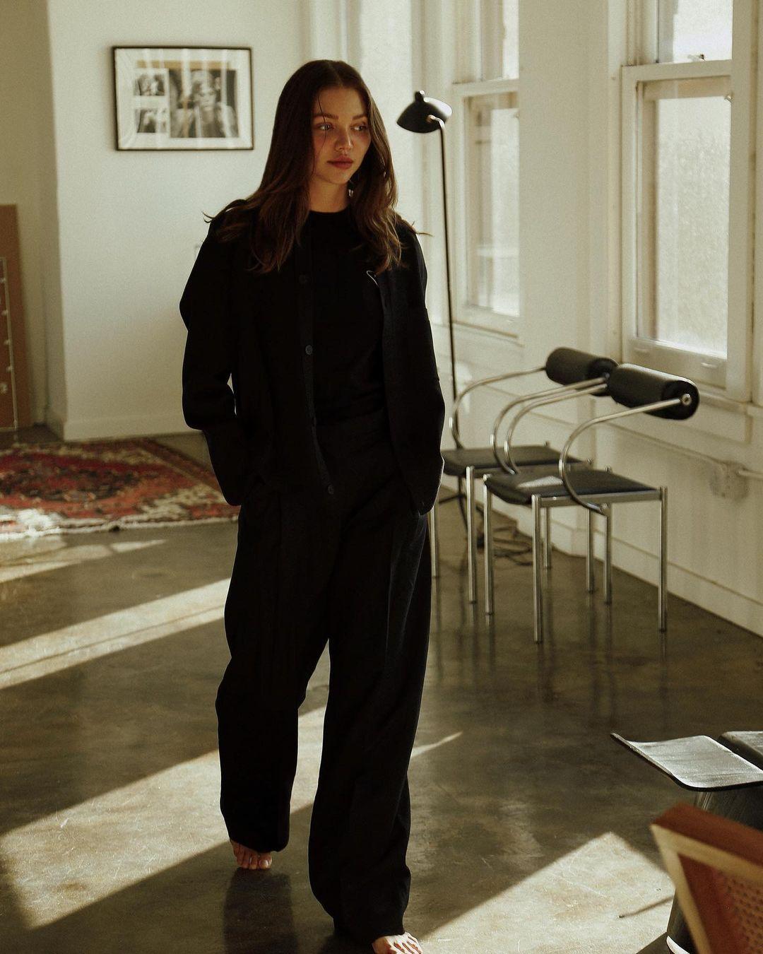 Jessie-Andrews-Wallpapers-Insta-Fit-Bio-1