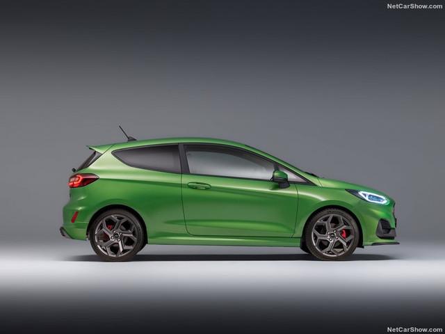 2017 - [Ford] Fiesta MkVII  - Page 19 09-E6-ED8-E-0-C07-47-D7-8-B51-AC53-E99-E2641