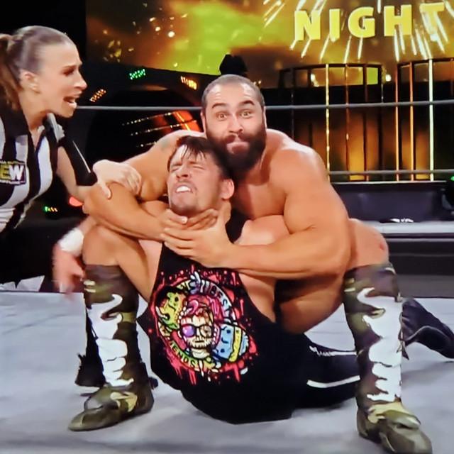 Miro Rusev derrotó a Chuck Taylor AEW 13 Enero