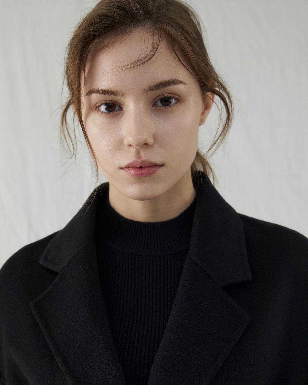 Angelina-Romashka-Wallpapers-Insta-Fit-Bio-14