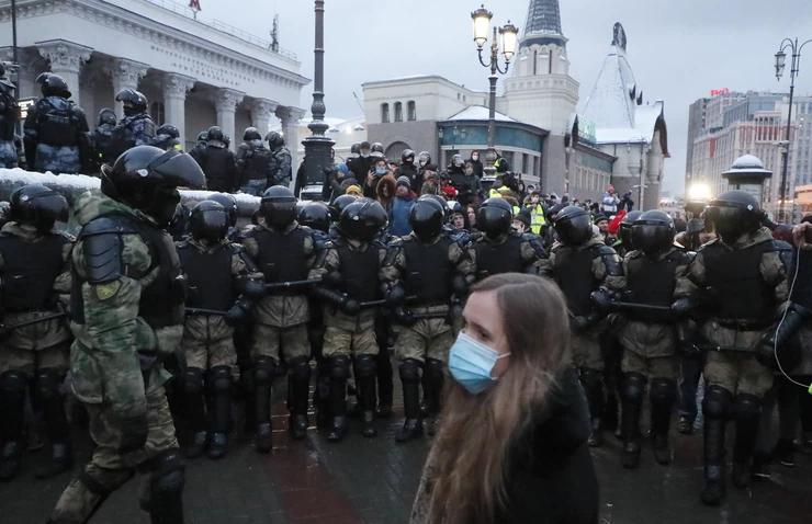 JOŠ SE NISU SMIRILE STRASTI ZBOG ZATVARANJA NAVALJNOG! Protest ruske opozicije povodom šeste godišnjice ubistva Borisa Nemcova