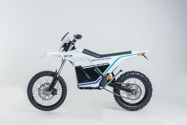 elisava-motocicleta-dayna-8-1200x801