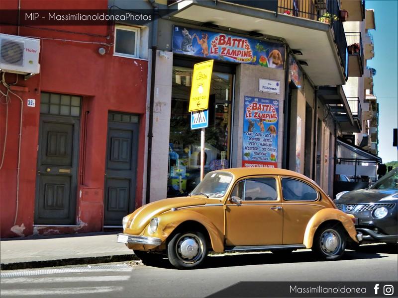 avvistamenti auto storiche - Pagina 14 Volkswagen-Maggiolone