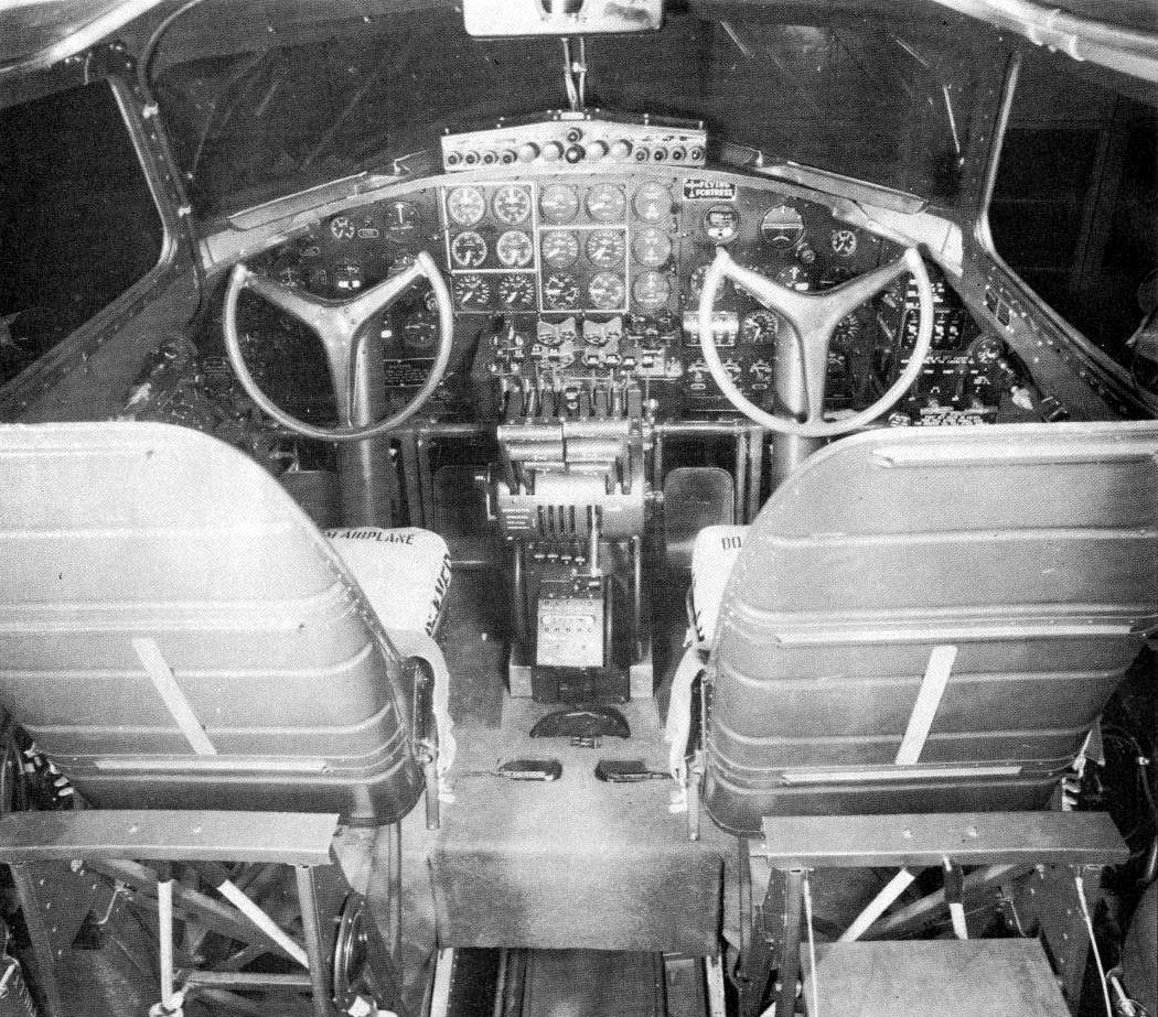 boeing-b-17b-flying-fortress-cockpit-01.