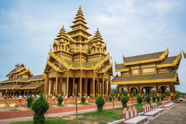 Myanmar-Palace.jpg