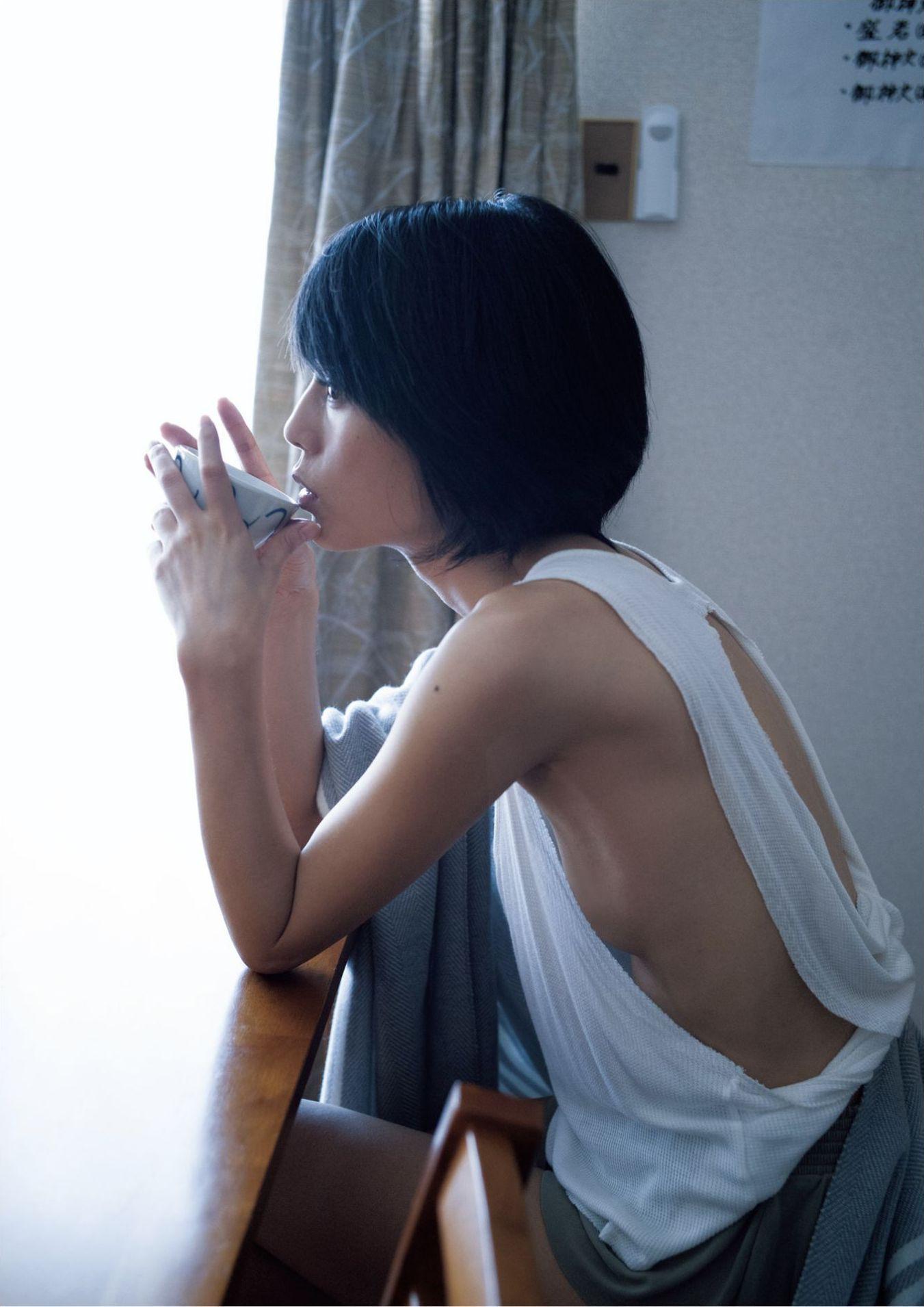 芳野友美ファースト写真集『或る女』059