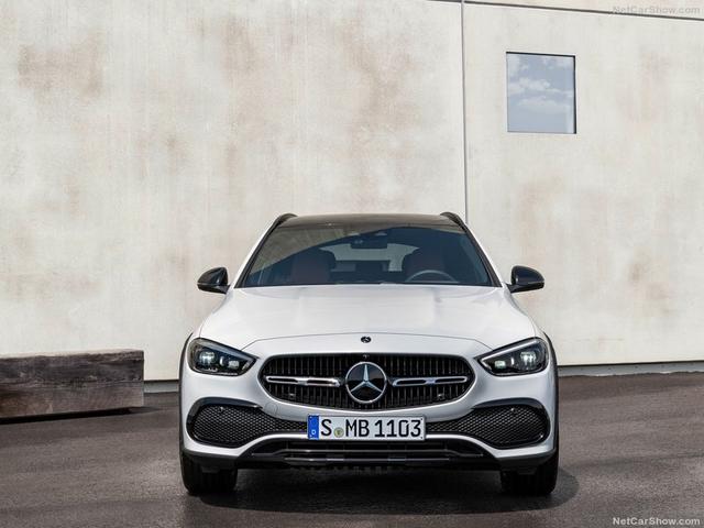 2021 - [Mercedes-Benz] Classe C [W206] - Page 18 710-FC9-F0-0-E3-B-467-A-8-C1-E-D6498-B59-F4-C0
