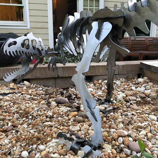 Allosaurus dinosaur 3D metal Garden art feature puzzle 1