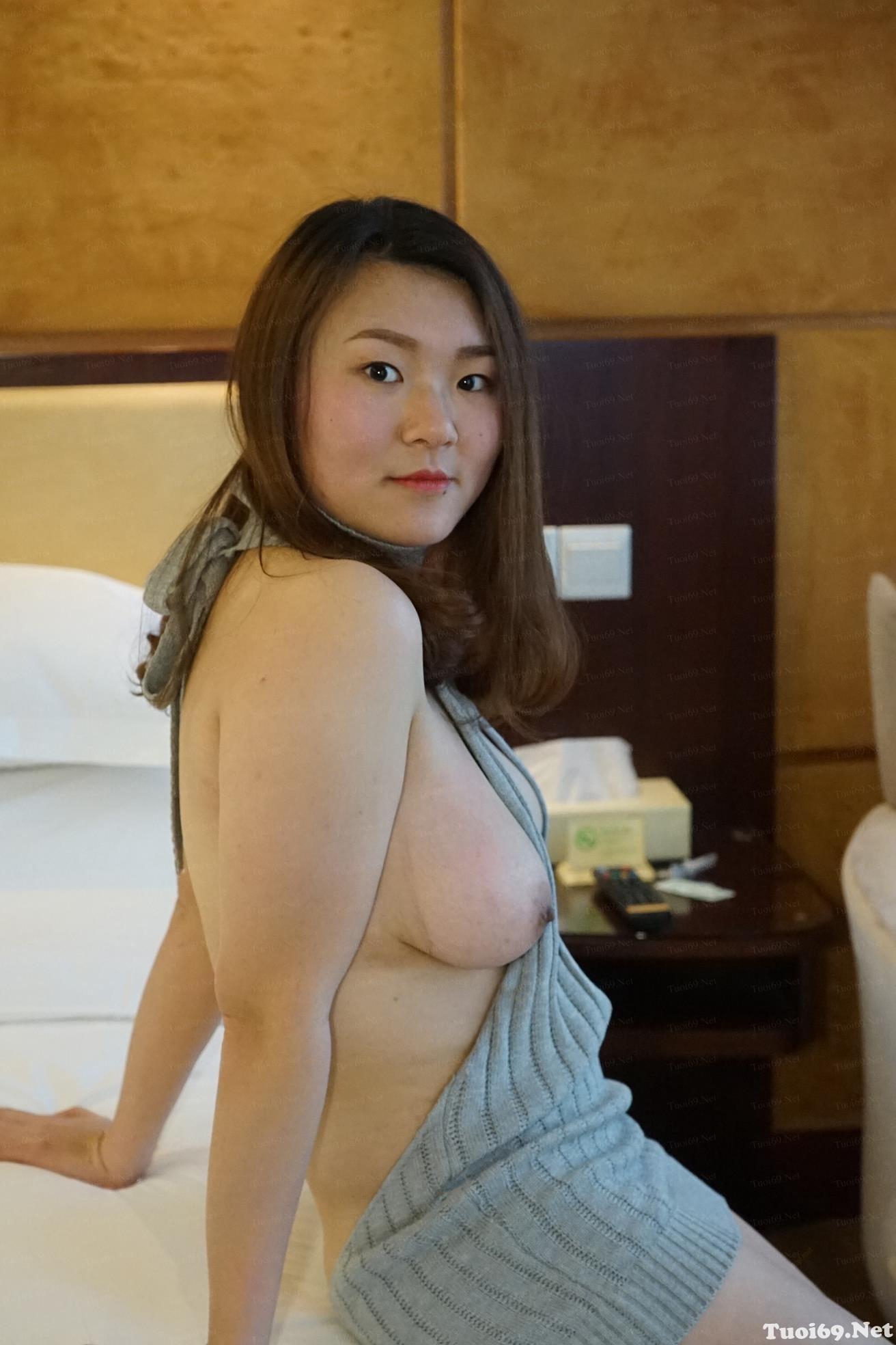 tuoi69net-anh-doc-cua-em-gai-dam-liangjia-tai-nha-rieng-bi-phat-tan-44