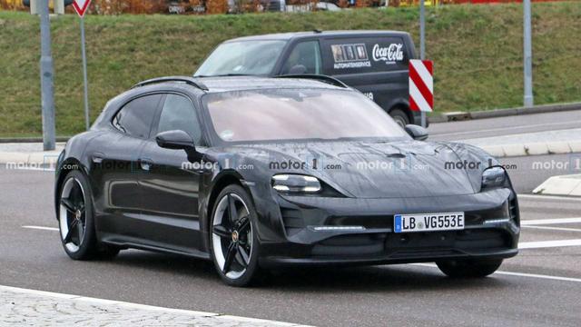 2020 - [Porsche] Taycan Sport Turismo - Page 3 853-C0-B3-C-3812-4-F28-B139-D7-A843-D5-B02-D