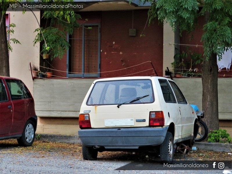 Auto Abbandonate - Pagina 7 Fiat-Uno-45-1-0-45cv-86-CT711931