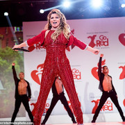 reddresscollection020520-performance1
