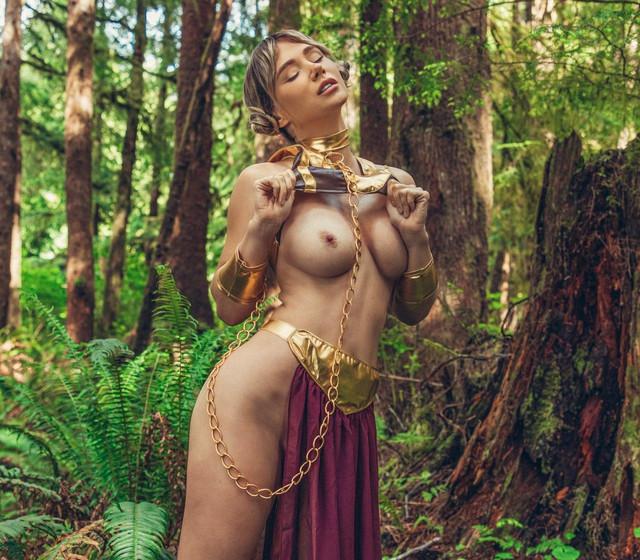 Sara-Underwood-Princess-Leia-3