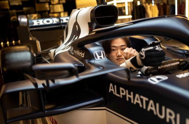 F1 2021 : La Scuderia AlphaTauri a présenté sa nouvelle Formule 1, baptisée AT02 2021-launch-gallery7-scuderia-alphatauri