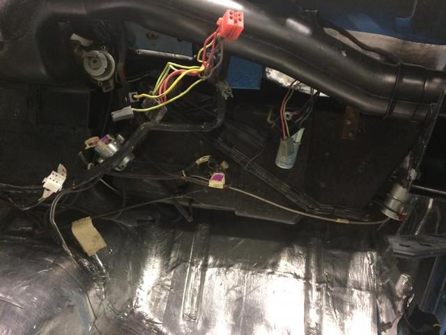 [Image: passenger-side-under-dash-wiring.jpg]