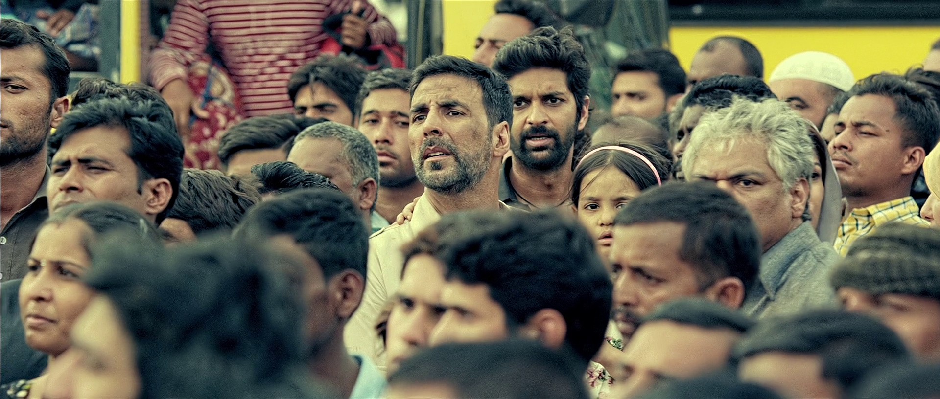 Airlift-2016-267