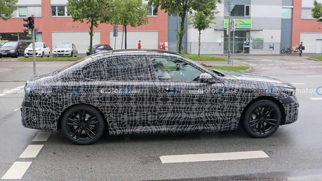 2023 - [BMW] Série 5 / M5 [G60 / G61] - Page 3 AD84576-C-F5-F7-416-D-9054-55-F8781-D6633