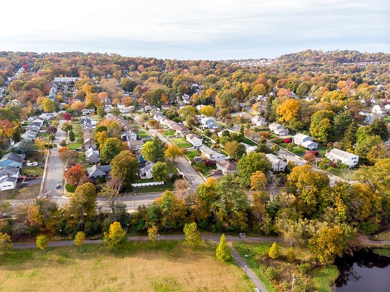colonphoto-com-009-foliage-autumn-season-Verona-Park-in-New-Jersey-20191025-DJI-0802