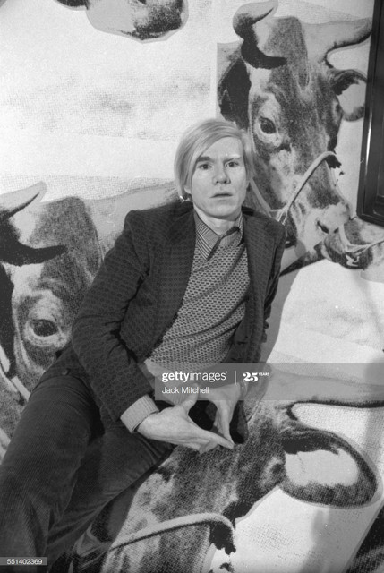 Andy-Warhol-photographed-April-28-1971-at-his-retrospective-exhibition-at-the-Whitney-Museum-of-Amer.jpg