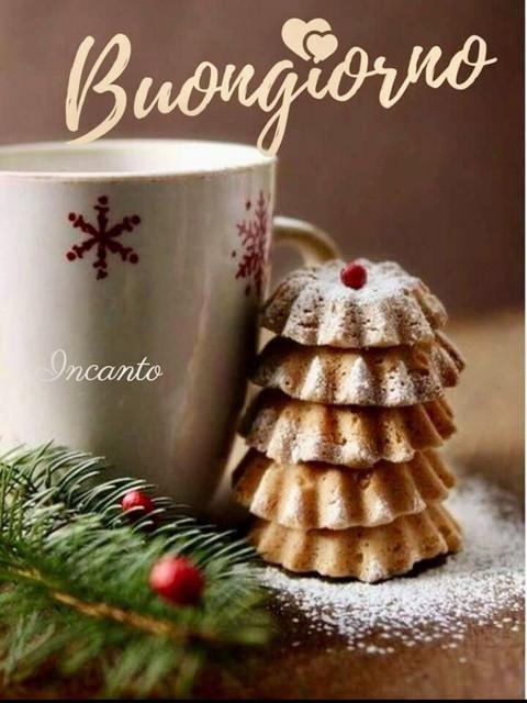 i saluti di dicembre - Pagina 2 Buongiorno-con-il-panettone-Natale-1