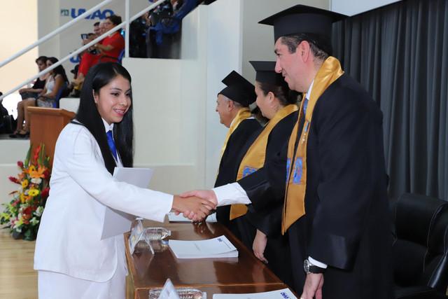 Graduacio-n-Medicina-122