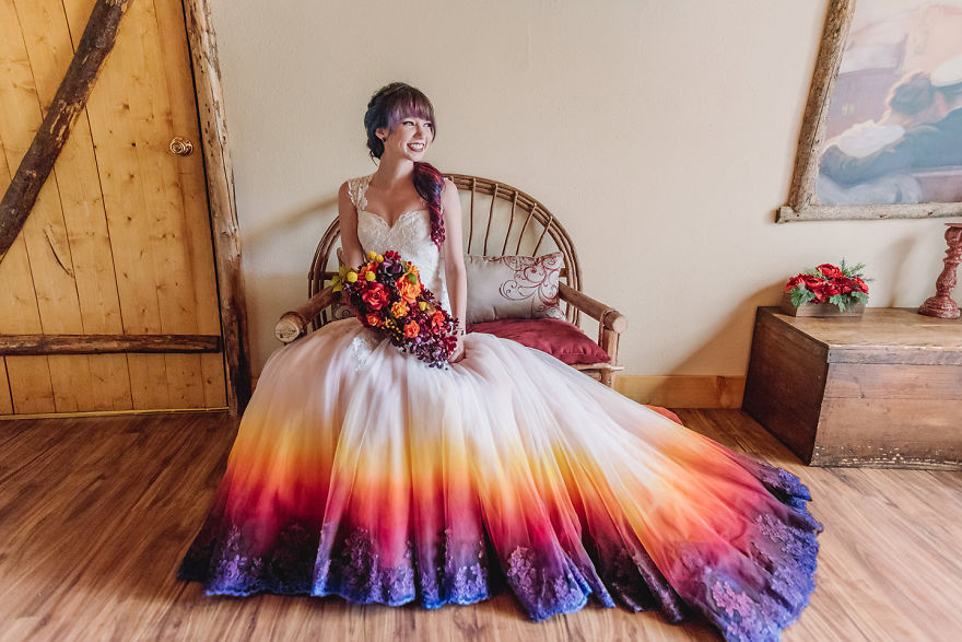 The Artistic Way of Making Wedding Dresses Special